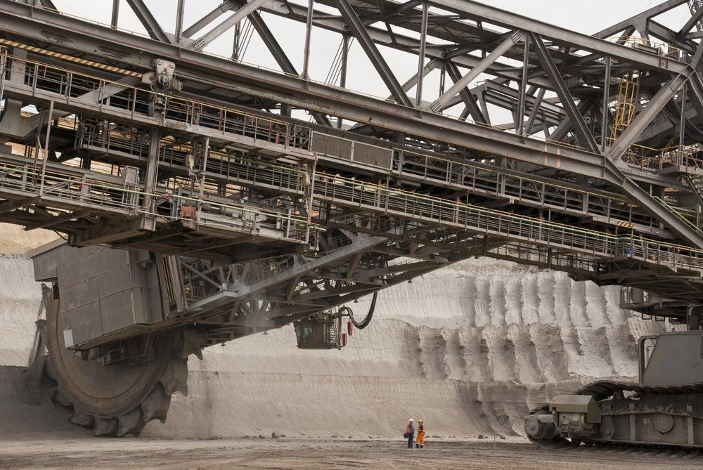 Extractive industries phosphorus mine and equipment